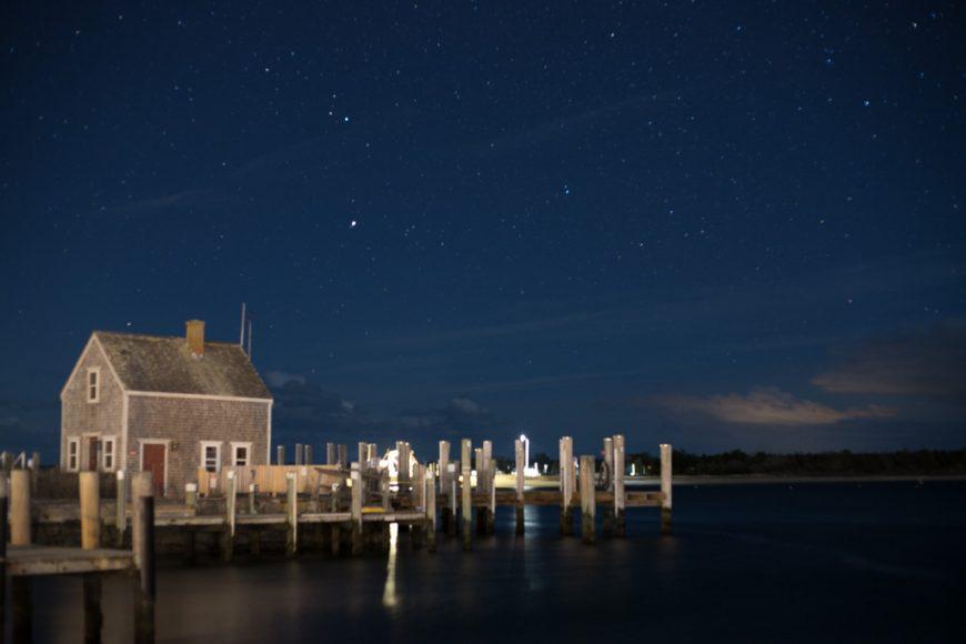 Edg Harbor christmas night