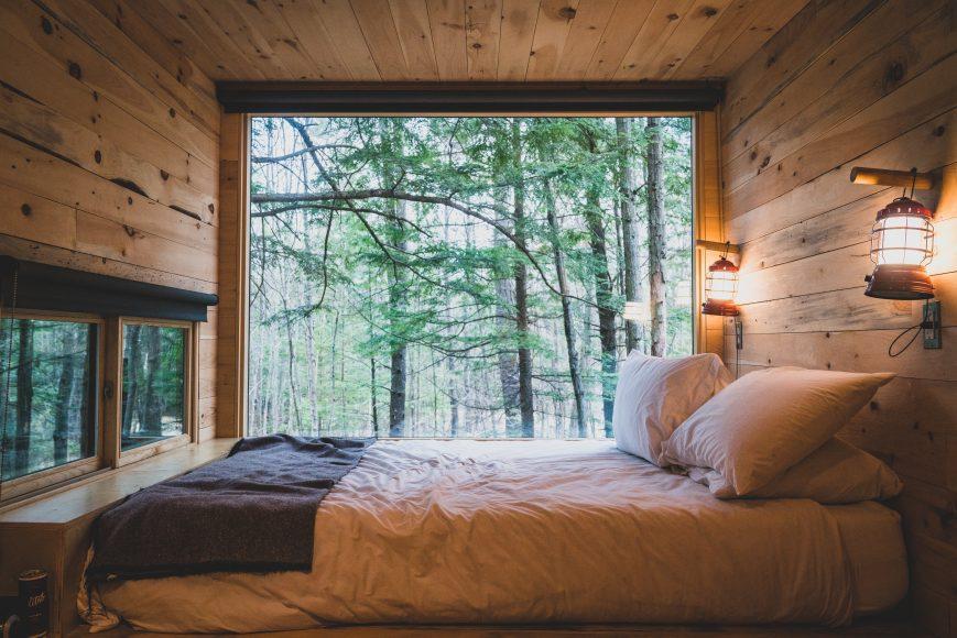 Getaway Big Window + Bed