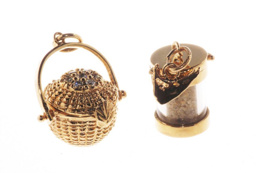 Basket&Sandcharm